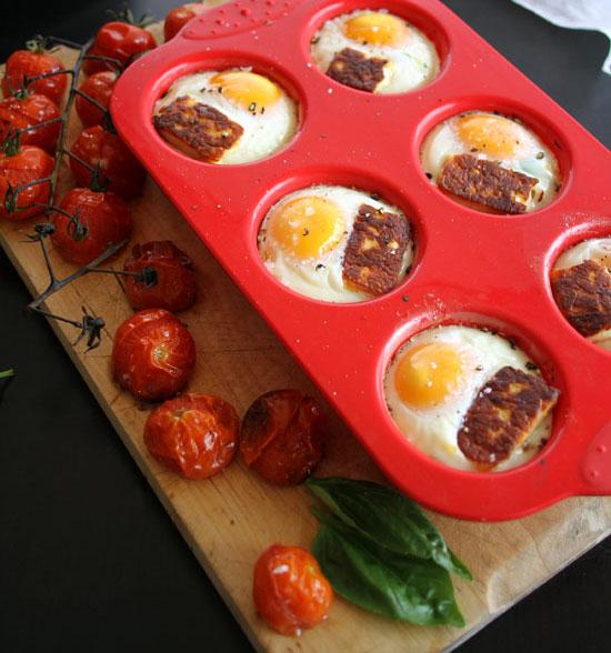 Baked Eggs With Halloumi & Tomato Sofrito