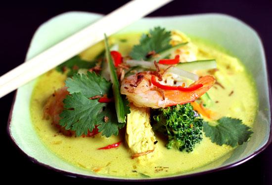 Paleo laksa soup
