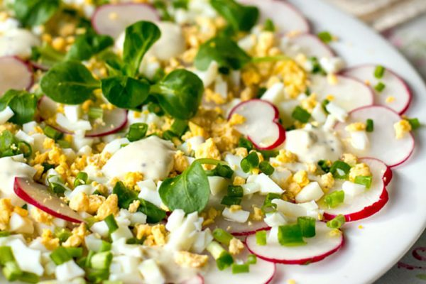 Radish salad with egg & creamy dressing