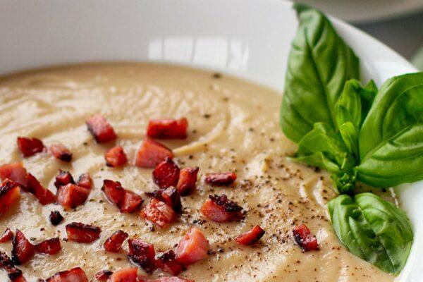 Cauliflower Soup With Bacon (Paleo, Gluten-free, Dairy-free, Whole30)