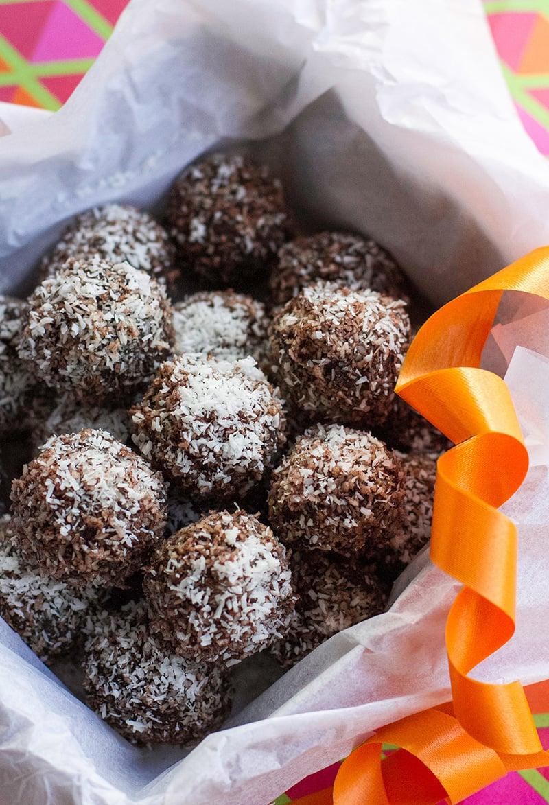 Chocolate Rum Balls For Christmas (Paleo, Gluten-Free,Vegan)