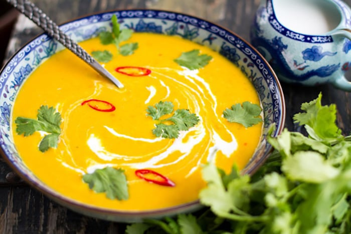 Spicy Thai pumpkin soup with coconut