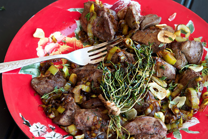 The Tastiest Paleo Liver Recipe Ever Fried With Thyme Garlic Leeks
