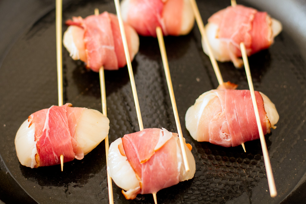 scallop_bacon_skewers_making2