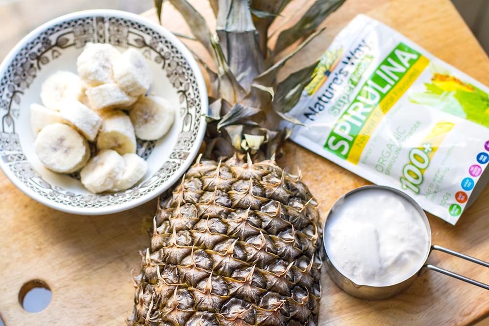 paleo_pineapple_smoothie