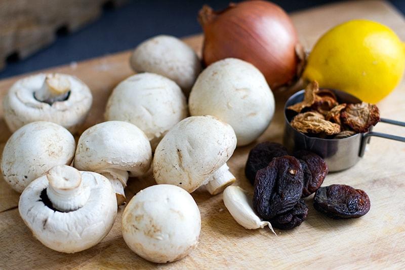 mushrooms_medley_ingredients-min