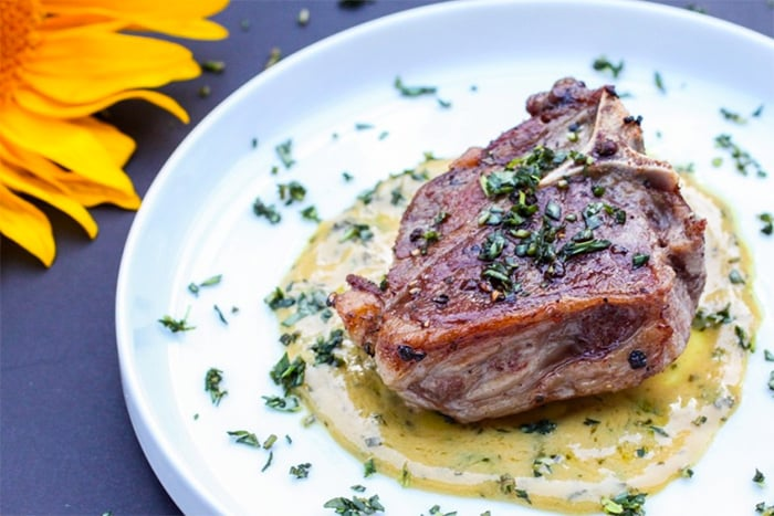 Lamb loin chops with tarragon sauce