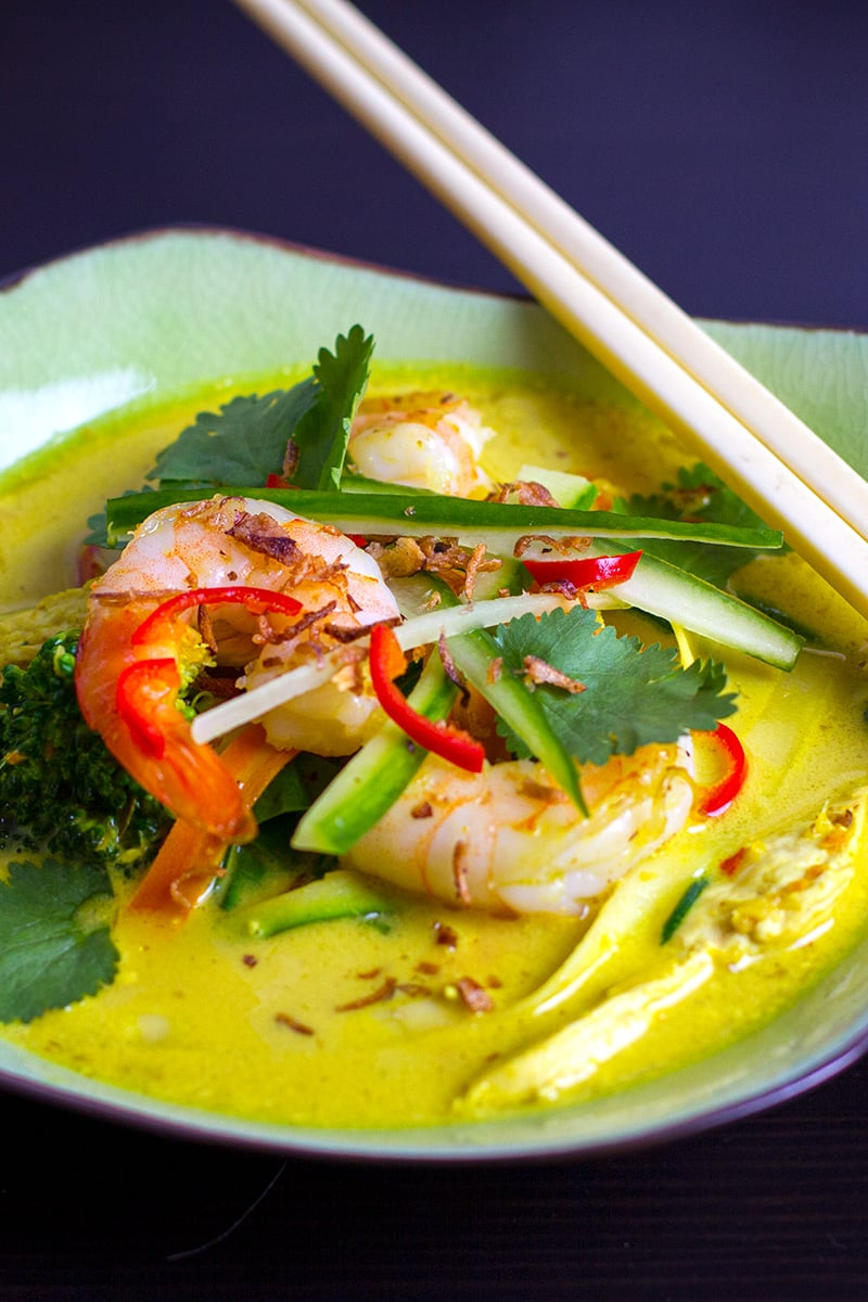 Thai Laksa Soup With Chicken & Prawns