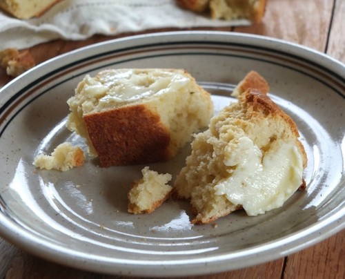 Crusty bread with tapioca flour