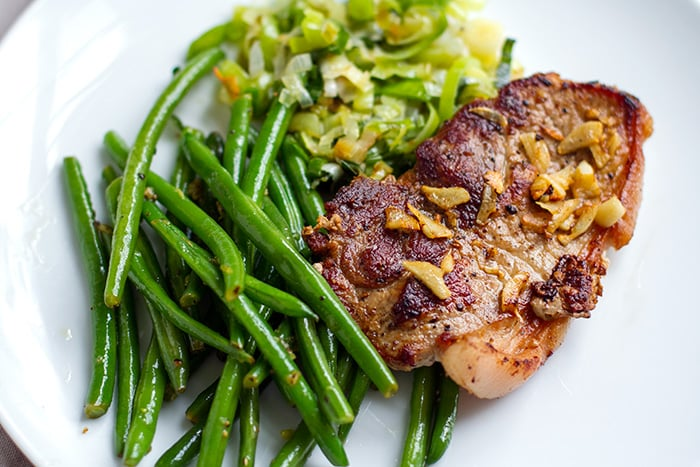 Garlic Pork Chops With Lemon Pepper Green Beans
