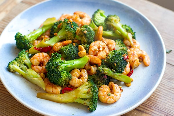 Paleo Dinner: 15-Minute Broccoli Prawn Stir-Fry