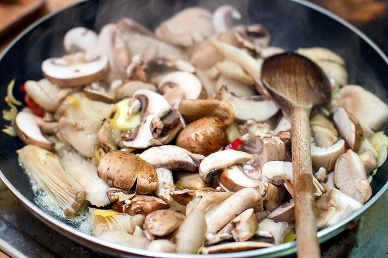 Cooking chilli garlic mushrooms