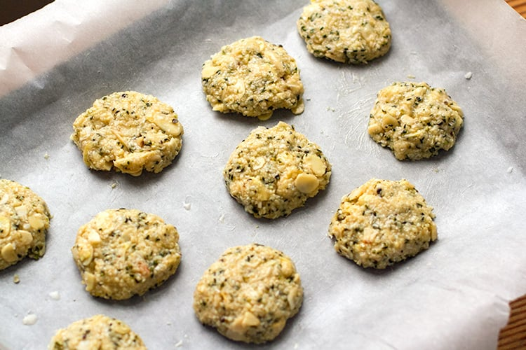 Paleo biscuits recipes - Anzac cookies
