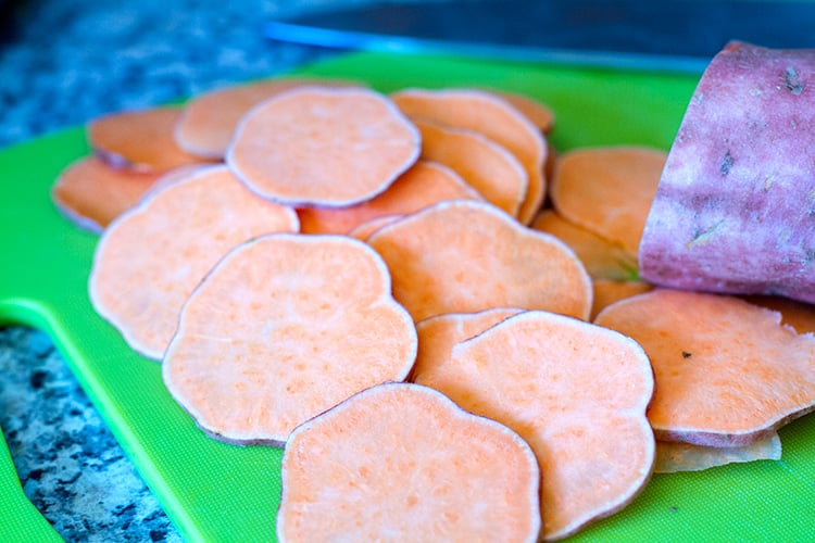 Sliced sweet potato chips