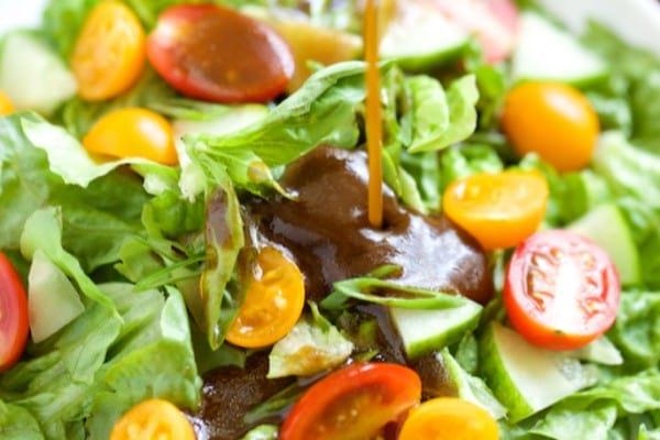 2-ingredient sugar-free balsamic vinaigrette