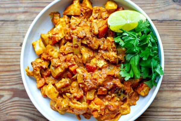 15-Minute Tomato Coconut Chicken Curry
