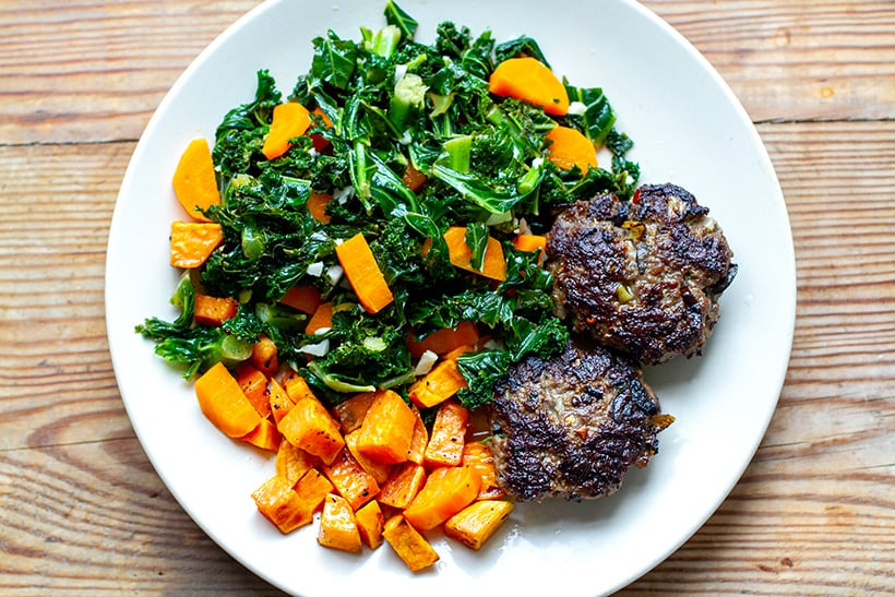 Garlic Kale With Beef Burgers