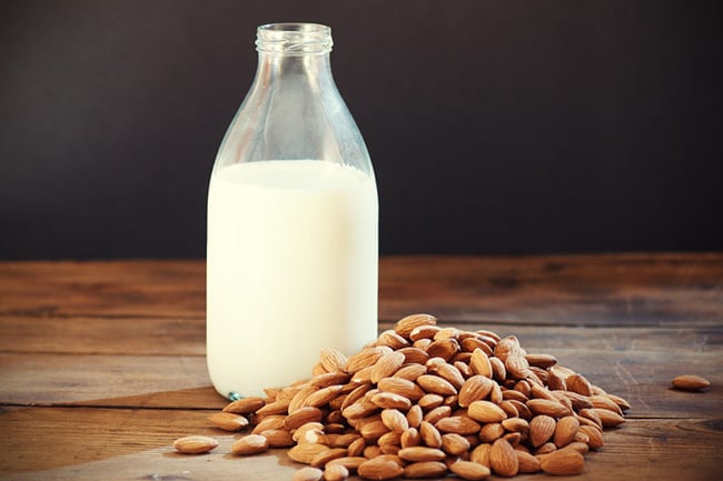 Almond milk calories & nutrition