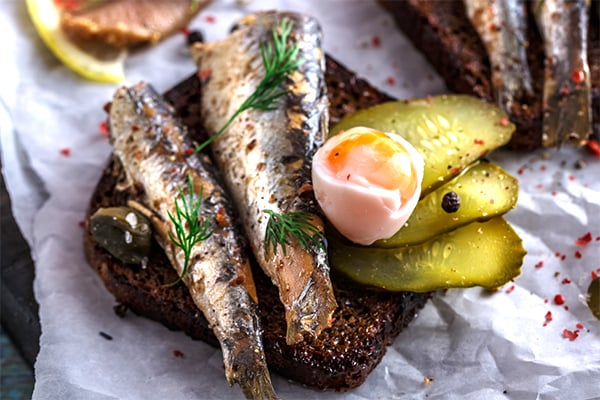 How to eat sardines and why you should
