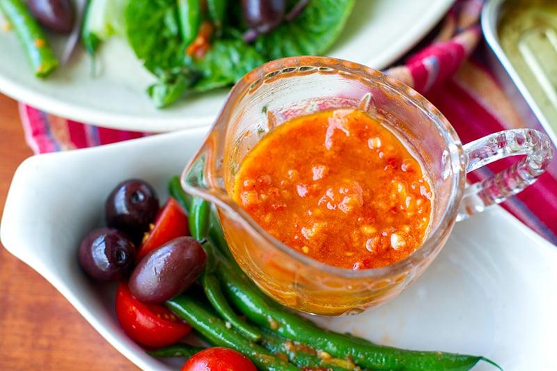 Sun-dried tomato salad dressing