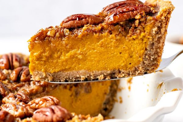 Healthy Pumpkin Pie With Pecan Crust & Topping