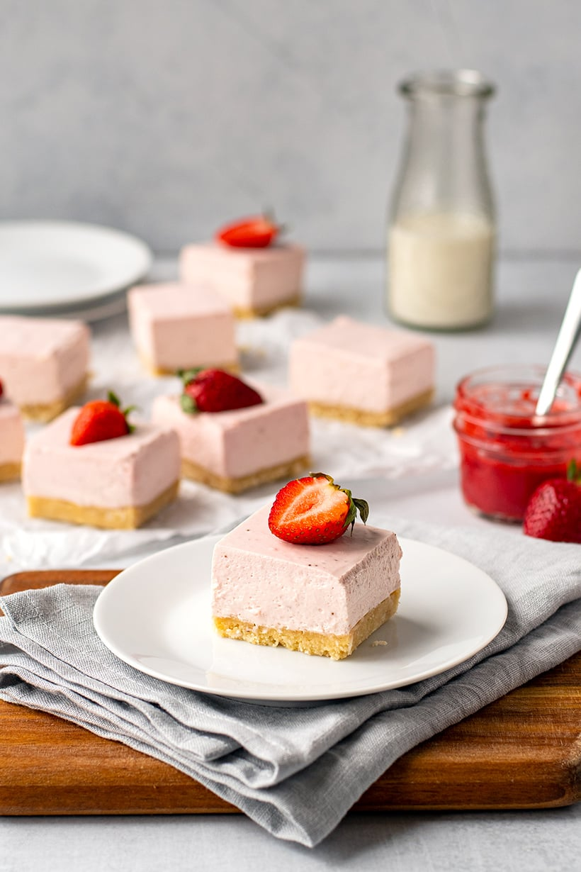 No-Bake Strawberry Cheesecake Bars (Low-Carb, Gluten-Free)
