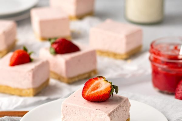 Low-Carb Strawberry Cheesecake Bars (Gluten-Free, No-Bake Recipe)