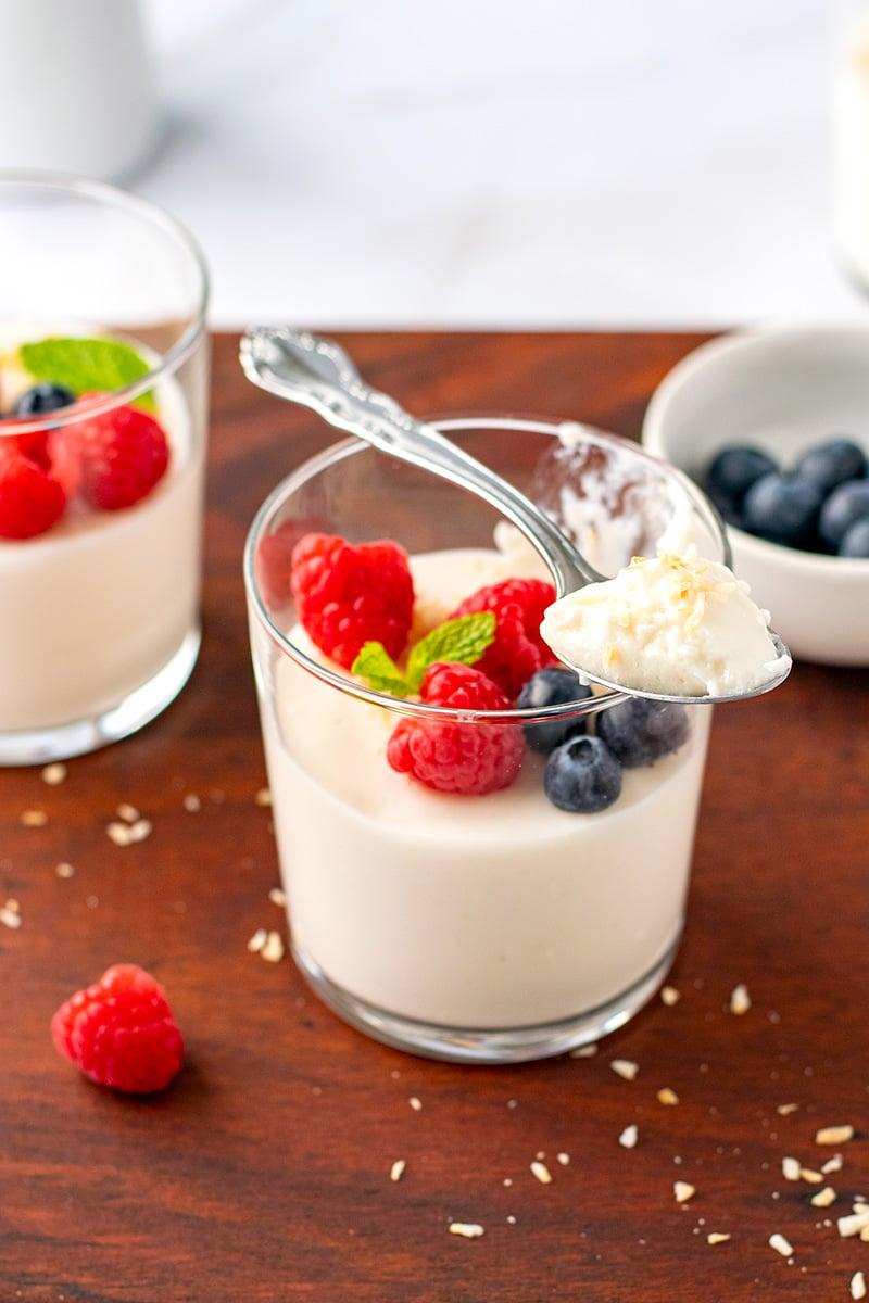 Coconut Panna Cotta With Vanilla & Gelatine (Dairy-Free, Paleo, Gluten-Free)