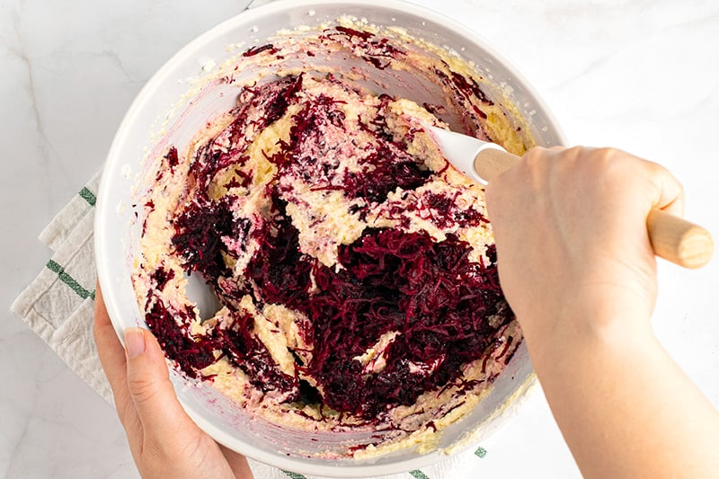 Red velvet cake batter with beetroot (low-Carb, gluten-free)